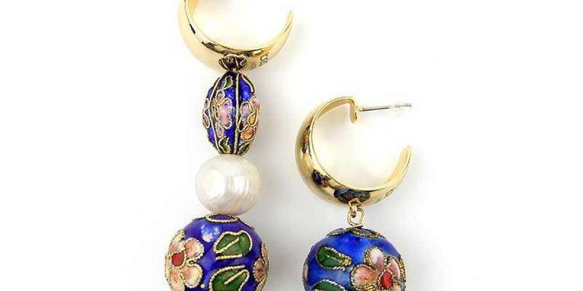 Creative Ways To Accessorize With Handmade Jewelry