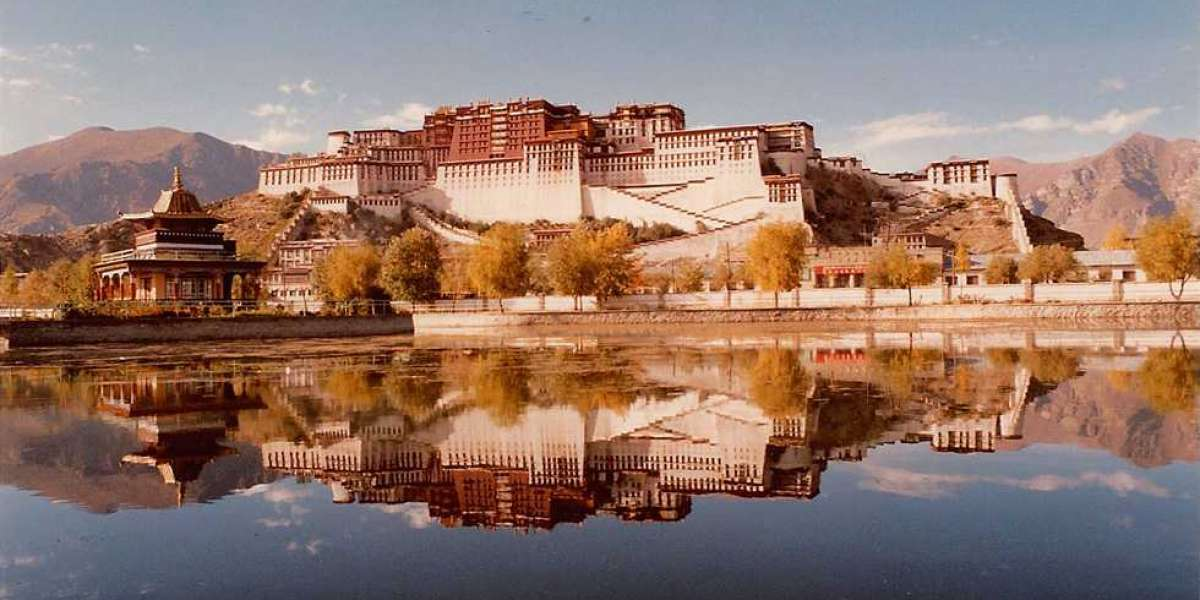 Tibet Travel Luggage Packing List