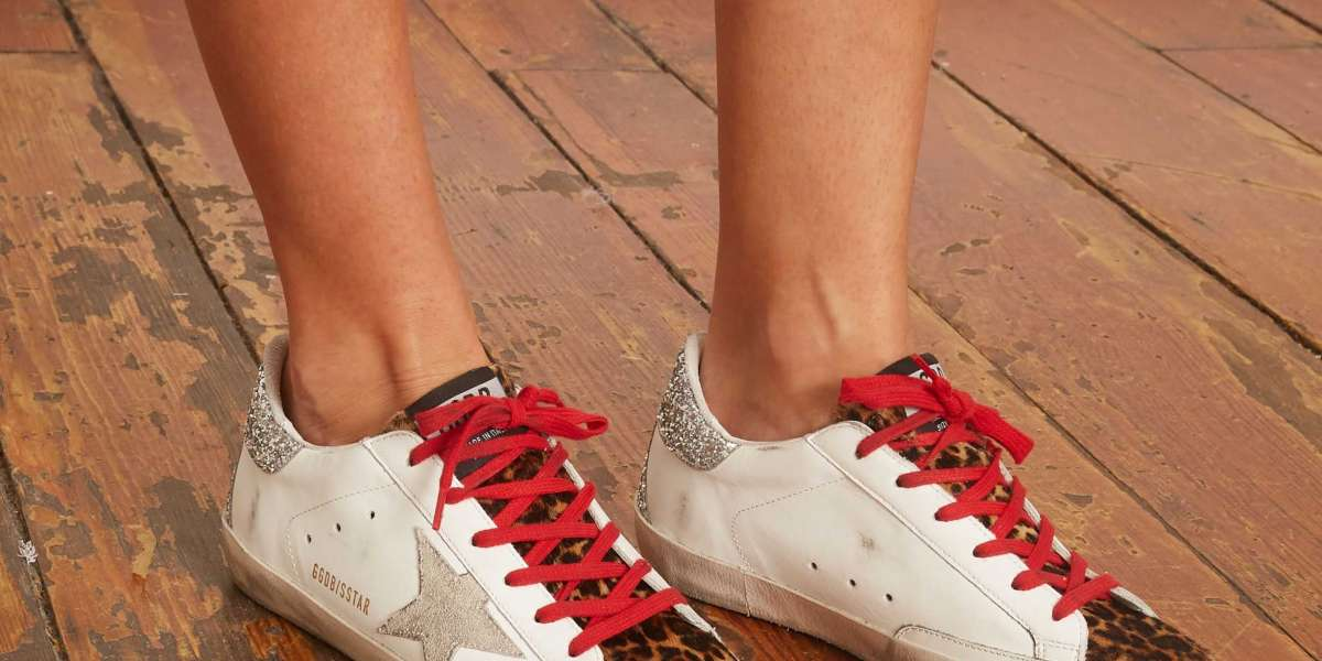 Golden Goose Sneakers Outlet act as a shawl or scarf with just a hint