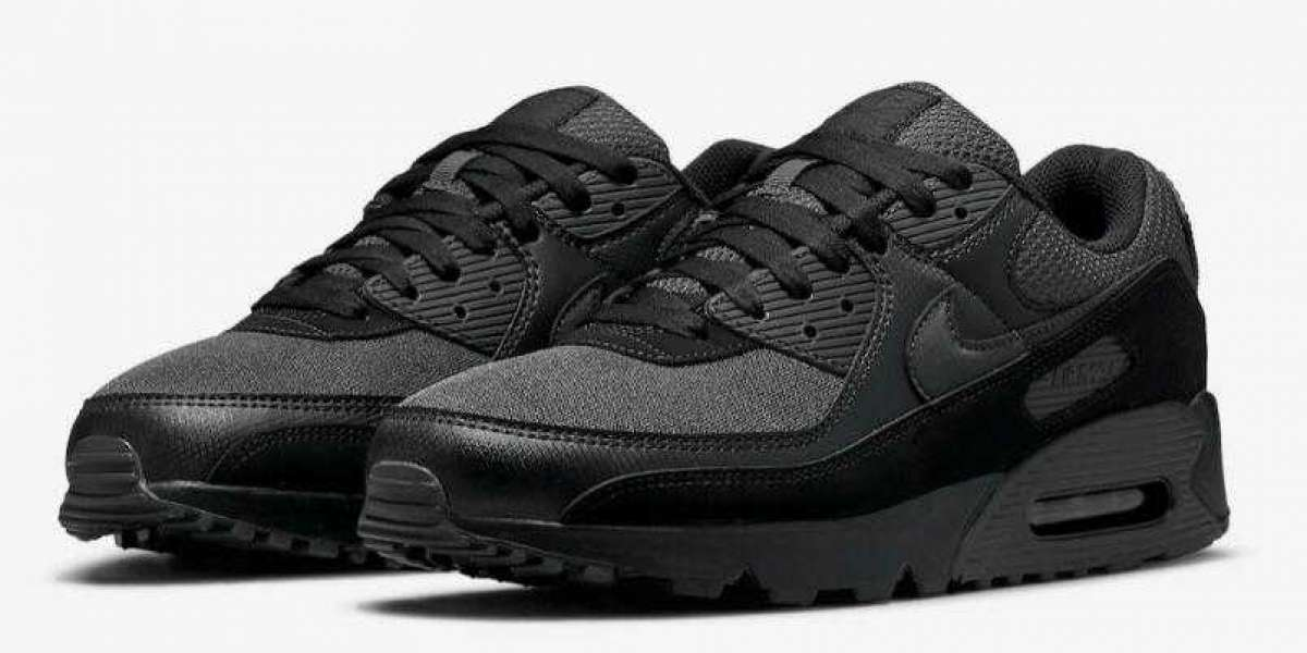 Latest Style Nike Air Max 90 All-Black Releasing On the Way